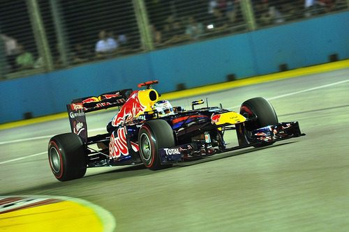 Track invader at Singapore GP sparks safety row
