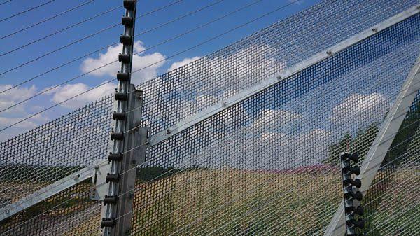 raking mesh, ArmaWeave achieves steepest raking yet, Zaun